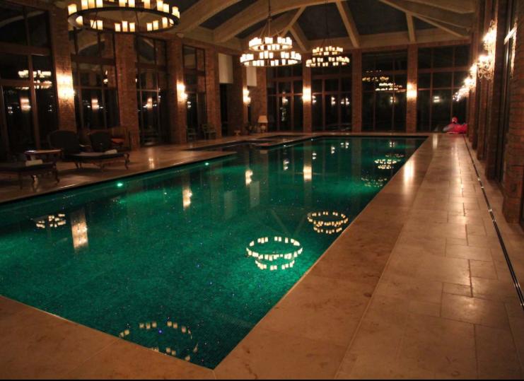 luxusny bazen keramicky obklad